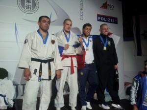 серебряный призер Чемпионата мира 2012 - Бацазов Руслан